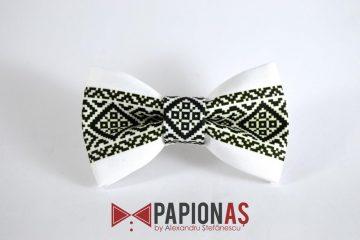 Papion personalizat cu motive traditionale romanesti 78