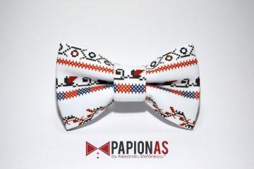 papion cu motive traditionale 170
