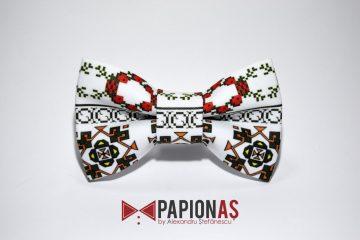papion cu motive traditionale 171