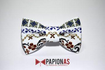 papion cu motive traditionale 174