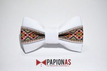 papion cu motive traditionale 167