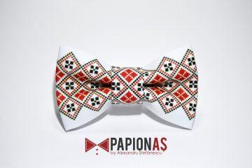 papion cu motive traditionale 179
